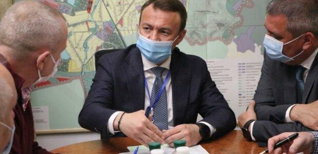"""Закарпатський губернатор вступився за депутатів після скандалу з угорським гімном: """"Вирвано з контексту"""""""