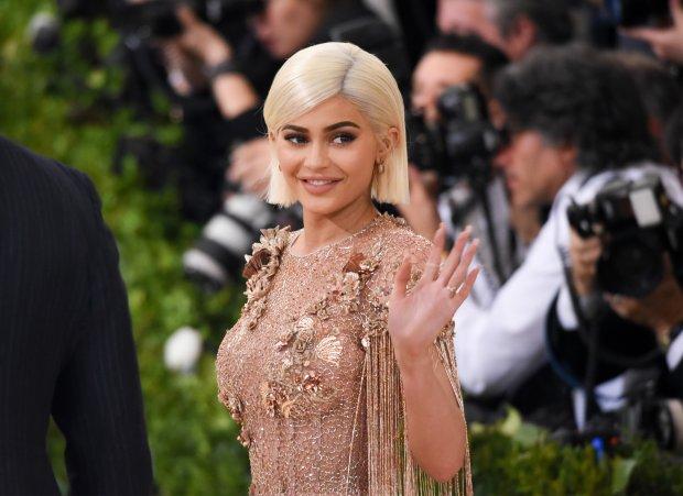 Названы богатейшие звезды-желторотики по версии Forbes