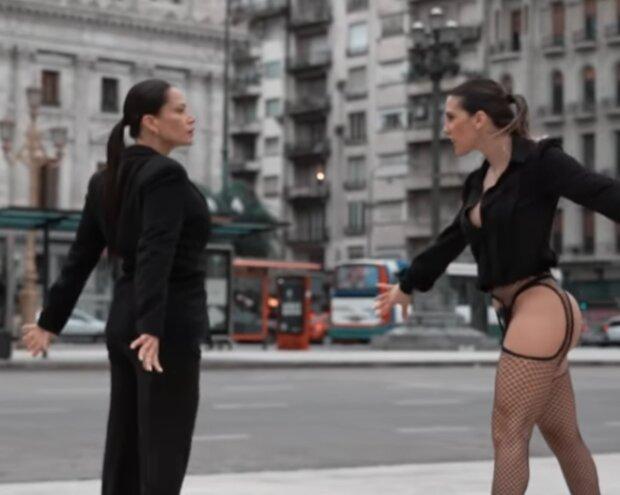 Синтія Фернандеш, скріншот з відео