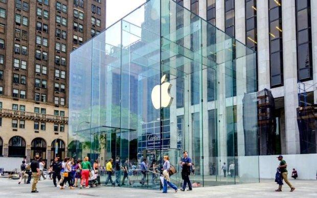 """iPad вчинив """"теракт"""" у магазині Apple"""