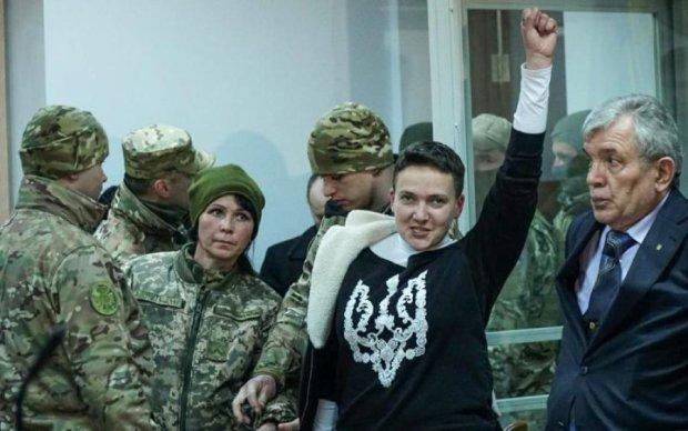 Поки Савченко в СІЗО, в її квартирі хазяйнують силовики