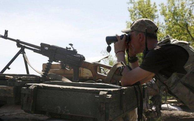 На Луганщине четвертый день ищут дезертира с оружием