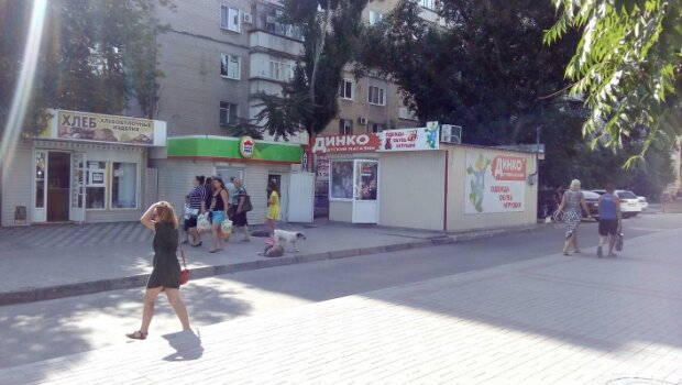 У Мелітополі зникла дівчина, рідні не поспішають йти в поліцію: що відомо