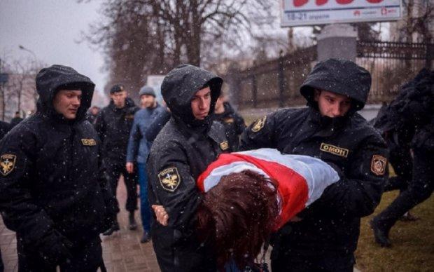 День Воли: в Минске силовики жестоко расправились с протестующими