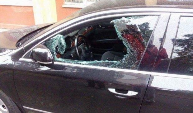 У Львові пограбували машину нардепа Парасюка