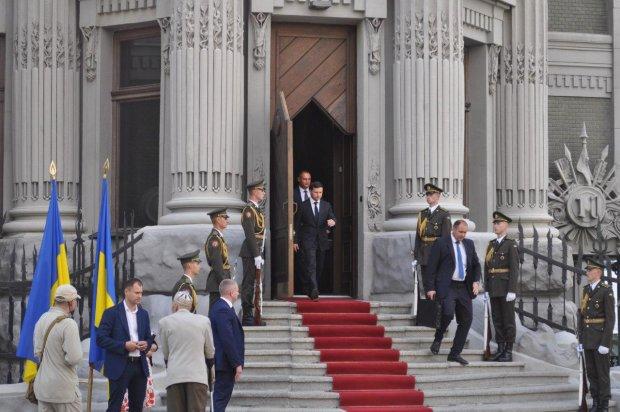 Торкнеться не тільки ПриватБанку: Зеленський готує масштабну приватизацію
