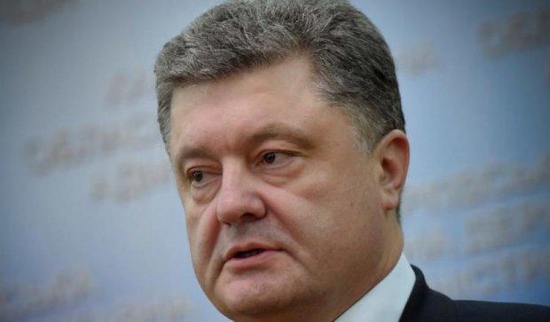 Порошенко відреагував на візит Путіна до Криму