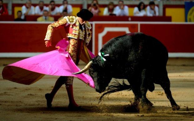 Поранений бик жорстоко помстився тореадору