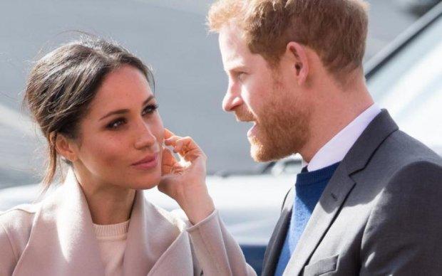 Принц Гаррі розважиться з чоловіком замість Меган Маркл