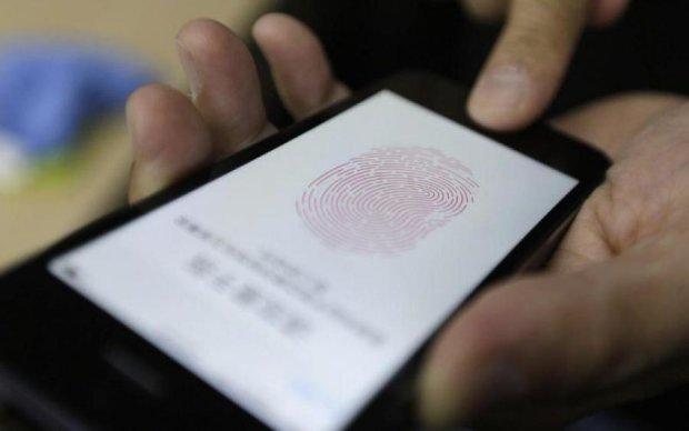 Apple обзаздриться: сканер пальців помістили всередину смартфона