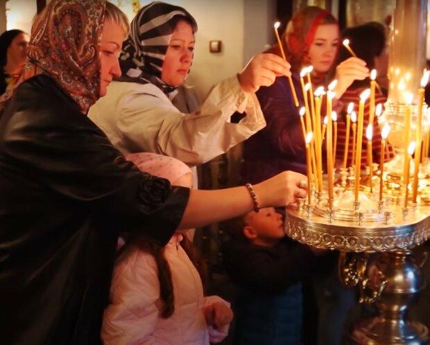 молитвы, скриншот из видео