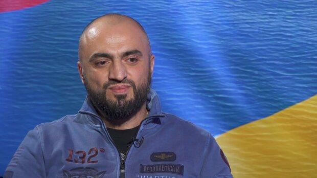 Роберт Погосян, скриншот видео