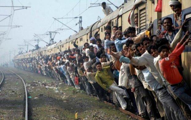 Нетрі Троєщини: кияни повторили подвиг індусів