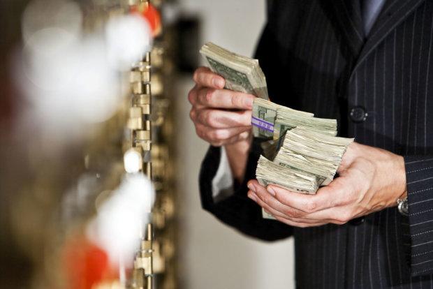 Українці декларують мільйонні доходи: звідки гроші та чим займаються