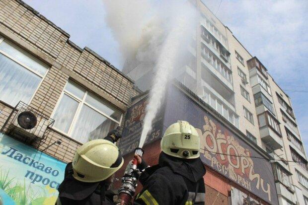 Пожежа в Києві, фото: Інформатор