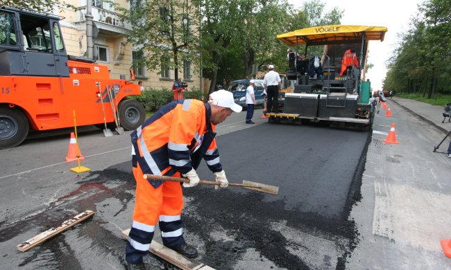Львів'ян промаринуют в пробках, Садовий взявся за дороги: як об'їхати цей пекло