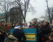 Пианист Майдана, фото: Facebook