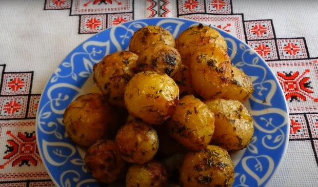 Молода картопелька. Скрін, відео YouTube