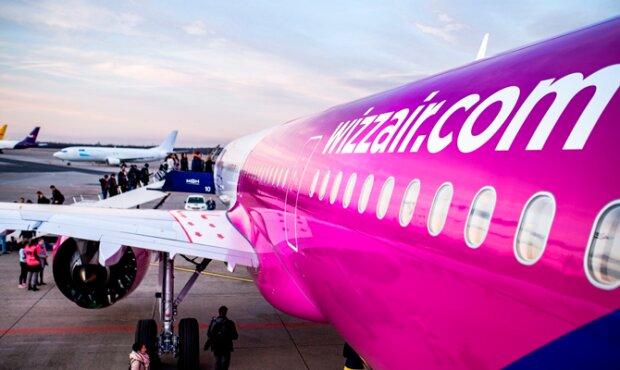 """""""Не получалось приземлиться"""": самолет Wizz Air попал в опасную ситуацию над Киевом"""
