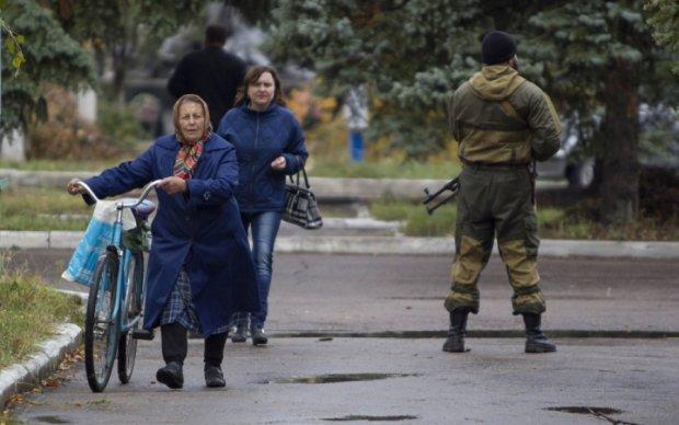 Субботник в Новоазовске закончился взрывом, погибла женщина