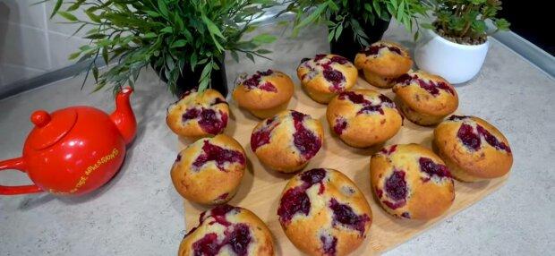 Кекси з вишнею, фото: скріншот з відео
