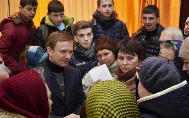 Вот это масштабы: украинский нардеп прилетел на свой день рождения из космоса