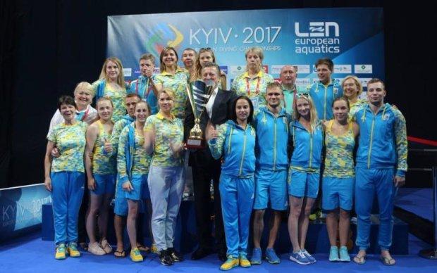 Україна виграла командну першість чемпіонату Європи зі стрибків у воду