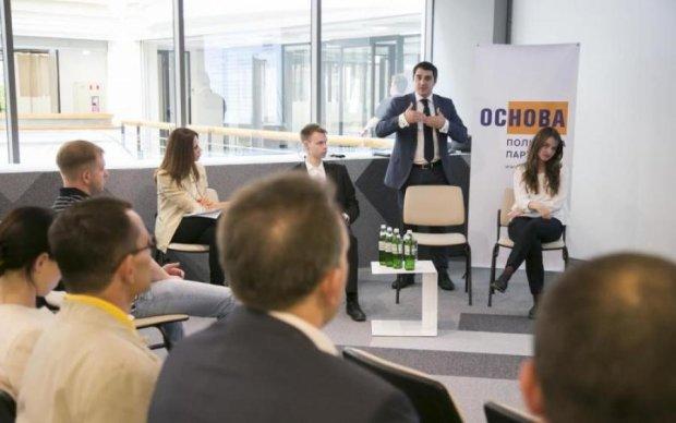 Остановить отток молодежи из Украины сможет только кардинальное улучшение экономической ситуации в стране, – Андрей Николаенко