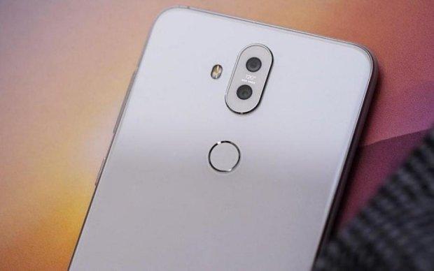 Zenfone 5Q: первый смартфон с четырьмя камерами