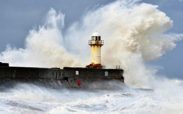 Пугающая красота: яростный шторм попал на видео