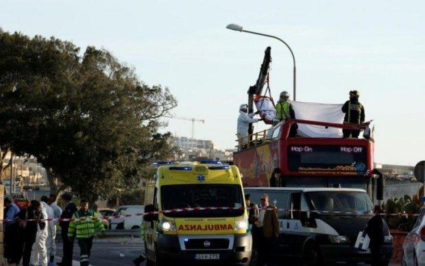 Автобус з українцями рознесло вщент на європейській трасі