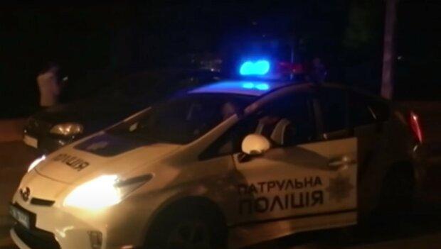 В Киеве пьяный шумахер решил покатать любовницу, но нарвался на копов и злую жену
