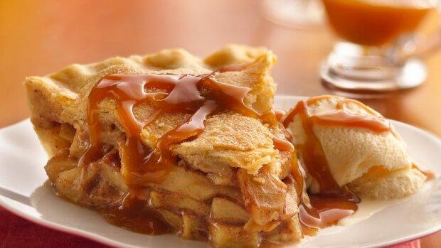 Пальчики оближешь: рецепт яблочного тарта с медовым кремом