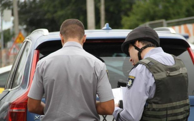 Тайник сепаратистов: в угнанном авто обнаружили оружие из Крыма