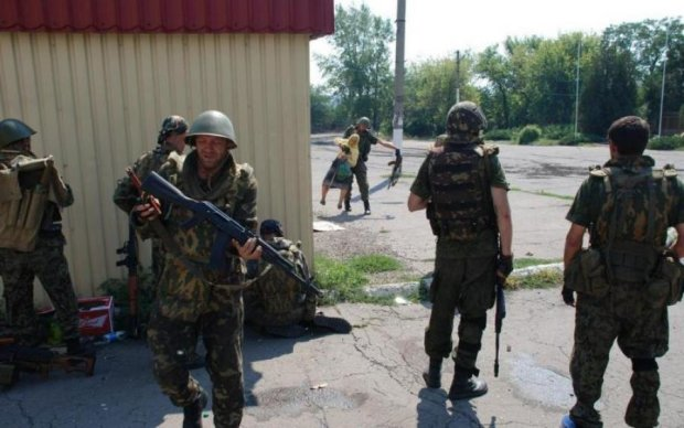 """Бойовики Донбасу платять ватажкам, щоб """"відкосити"""" від передової"""