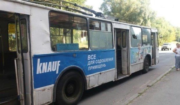 Підлітки обстріляли хмельницький тролейбус