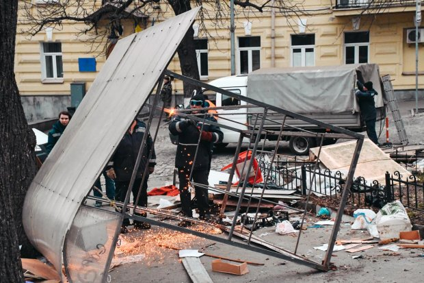 У Києві масово зносять МАФи: повний список адрес та фото