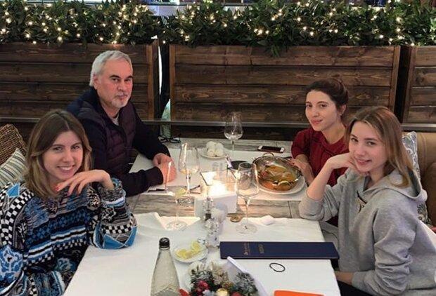 Валерий Меладзе с дочками, фото с Instagram