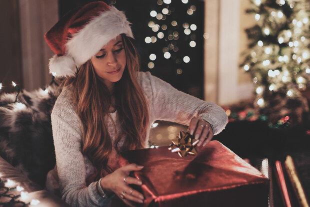 Что подарить девушке на Новый год 2019: самые необычные и красивые идеи
