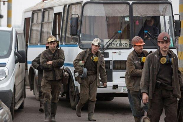 Бойовики не пустили рятувальників на шахту Засядька