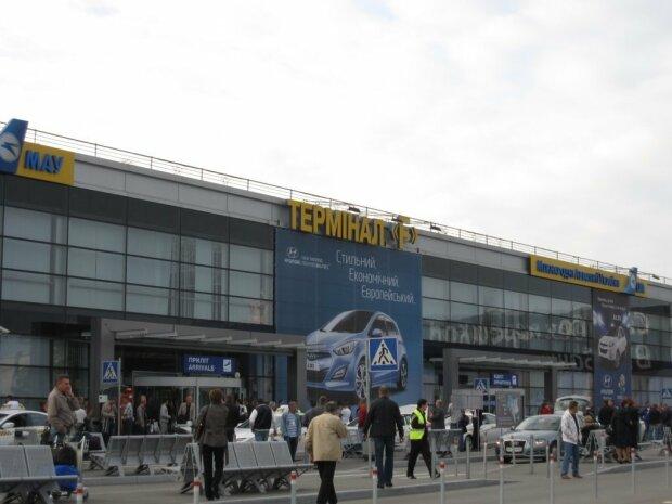 Бизнесмен заявил о дерзком ограблении в Борисполе: требует Зеленского  и молит решить вопрос
