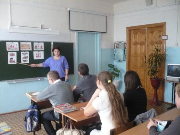 """""""Руський мір"""" пробрався в одеську школу, гримить скандал: """"Вони зрадники і нацисти"""""""
