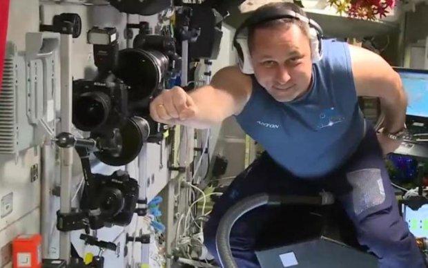 Росіяни підкорюють космос на пилососах: відео