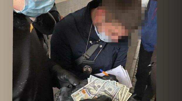 В Киеве арестовали чиновника, фото: прокуратура