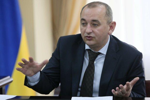 Матіос пропустить українців через детектор брехні