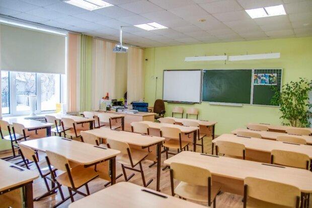 Під Сумами вчителька здала в ломбард 12 нетбуків, вкрадених у першокласників