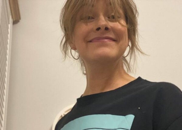 """""""Мені значно краще"""": Олена Кравець на самоізоляції декламує вірші Жадана"""