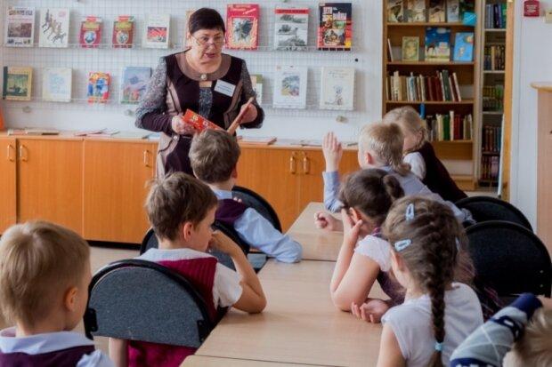 Зарплаты не дают, а работать заставляют: как на Тернопольщине учителя попали в школьное рабство