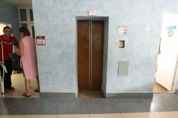 """Вінничани оголосили війну допотопним ліфтам, Моргунову доведеться попітніти: """"Хитає, трусить і обривається"""""""