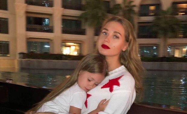 """Дружина Харламова Асмус показала, як підросла їхня донька: """"Немов сестри!"""""""